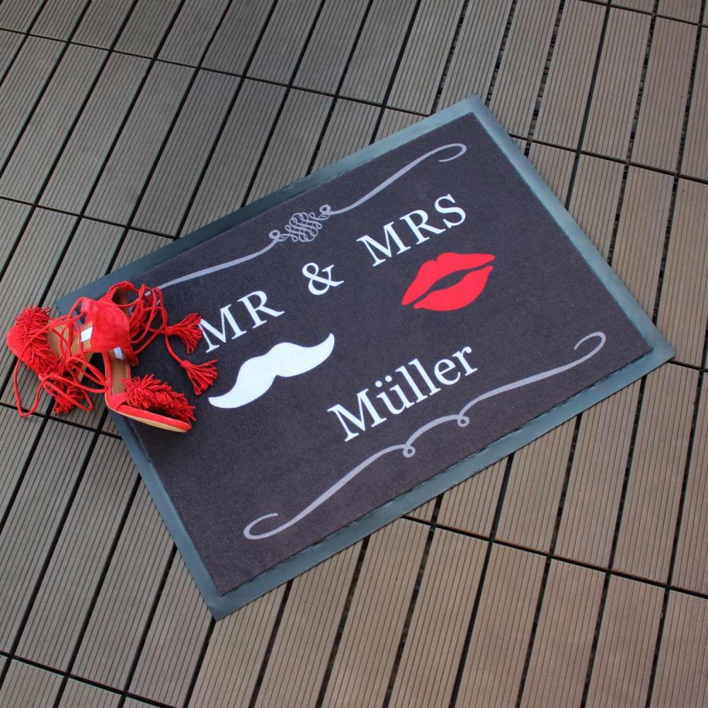 Fußmatte Mr & Mrs grau mit Ihrem Wunschnamen