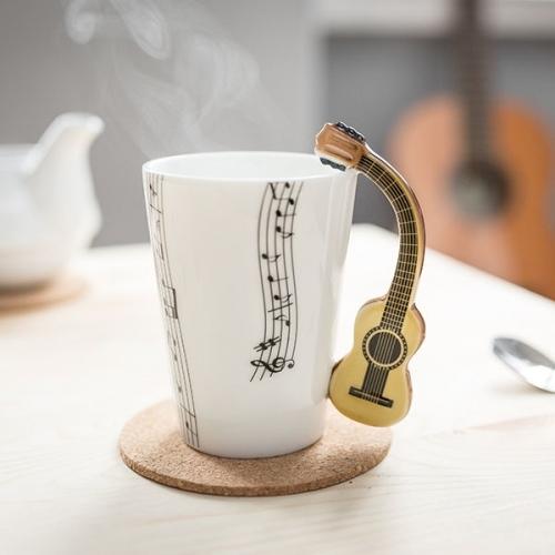 Tasse - Verschiedene Musikinstrumente bzw. Note...