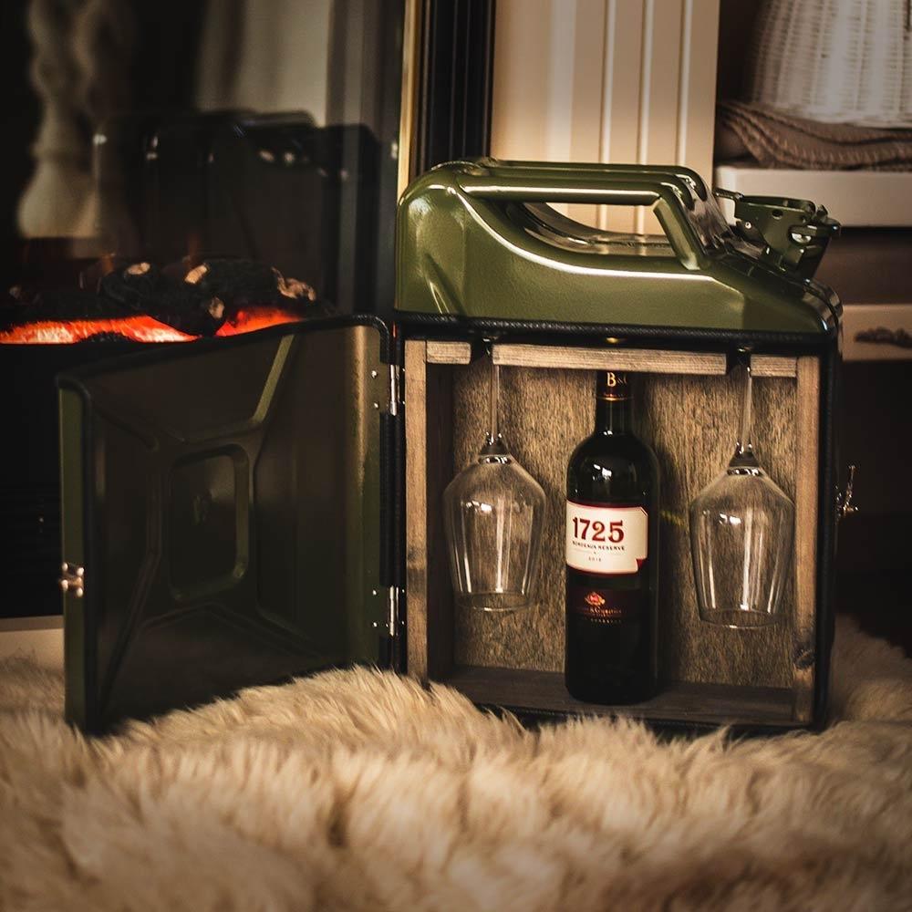 JerryCan Kanister - der mobile Weinschrank