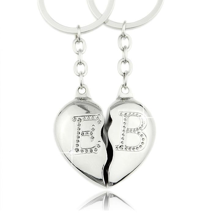 Schlüsselanhänger Herzen mit individuellen Buchstaben für Paare - Valentinstag Geschenke für Männer